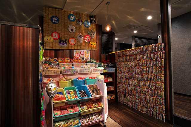 相席空間(横浜西口店)の駄菓子コーナーの写真