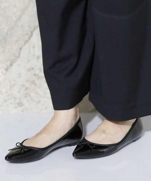 ナノ・ユニバース【CLASSY. 5月号掲載】ポインテッドリボンフラットパンプス