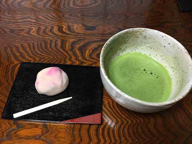 ゼクシィ縁結びパーティー桜の練り切りと抹茶