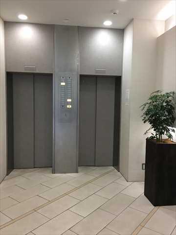 オトコン新宿イベントラウンジ会場のエレベーターホール