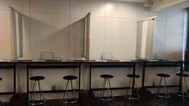 オトコン横浜会場の座席1番から4番テーブルの写真