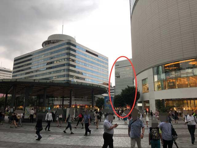 JR有楽町駅前の写真
