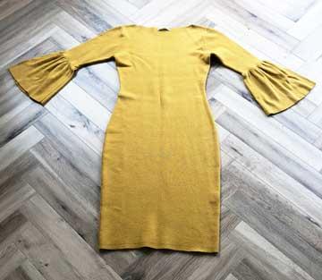 エアークローゼットの6箱目で届いた袖が特徴的なワンピースの写真