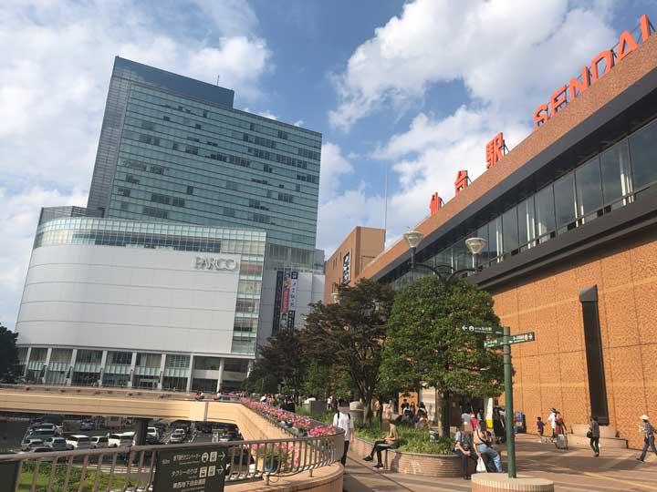 仙台駅前のロータリー写真