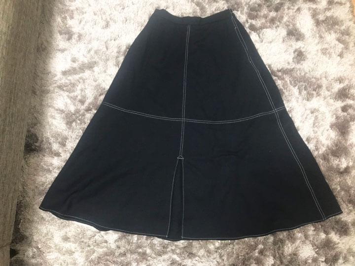 配色ステッチマキシスカートの写真
